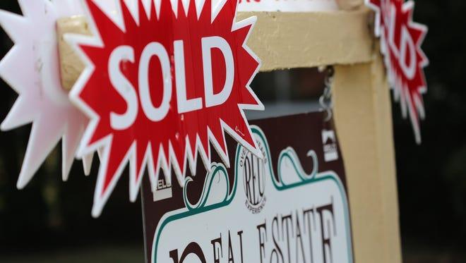 Sold real estate sign.