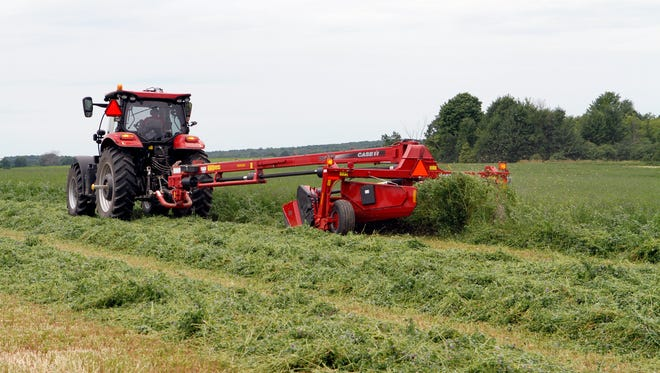 Conditions were excellent for harvesting hay last week, but dry conditions in parts of Wisconsin are starting to stress crops in some areas.