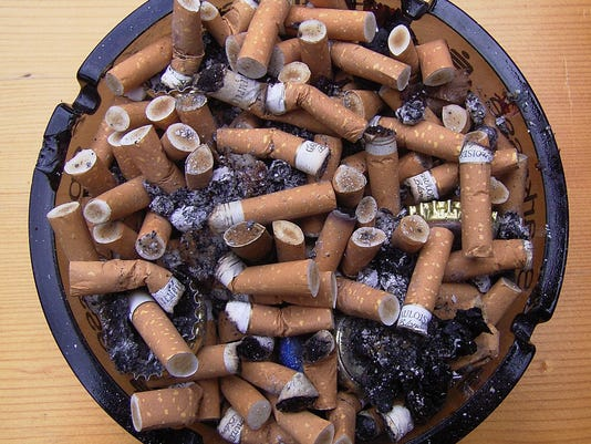 smoking_full_ashtray