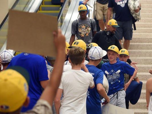 Little League World Series, Sioux Falls, airport