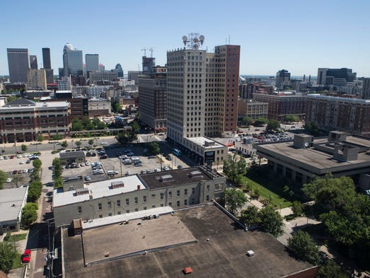 Old Meets New In This Bachelor Pad With Skyline Views Of Louisville