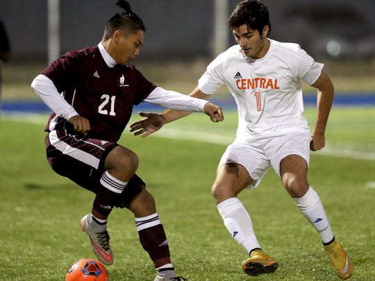 Central's Josh Duarte moves in to steal the ball from a Killeen High Kangaroo on Wednesday.