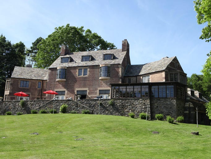 Estate in croton with ilgwu history hudson river views for 8000 square foot building