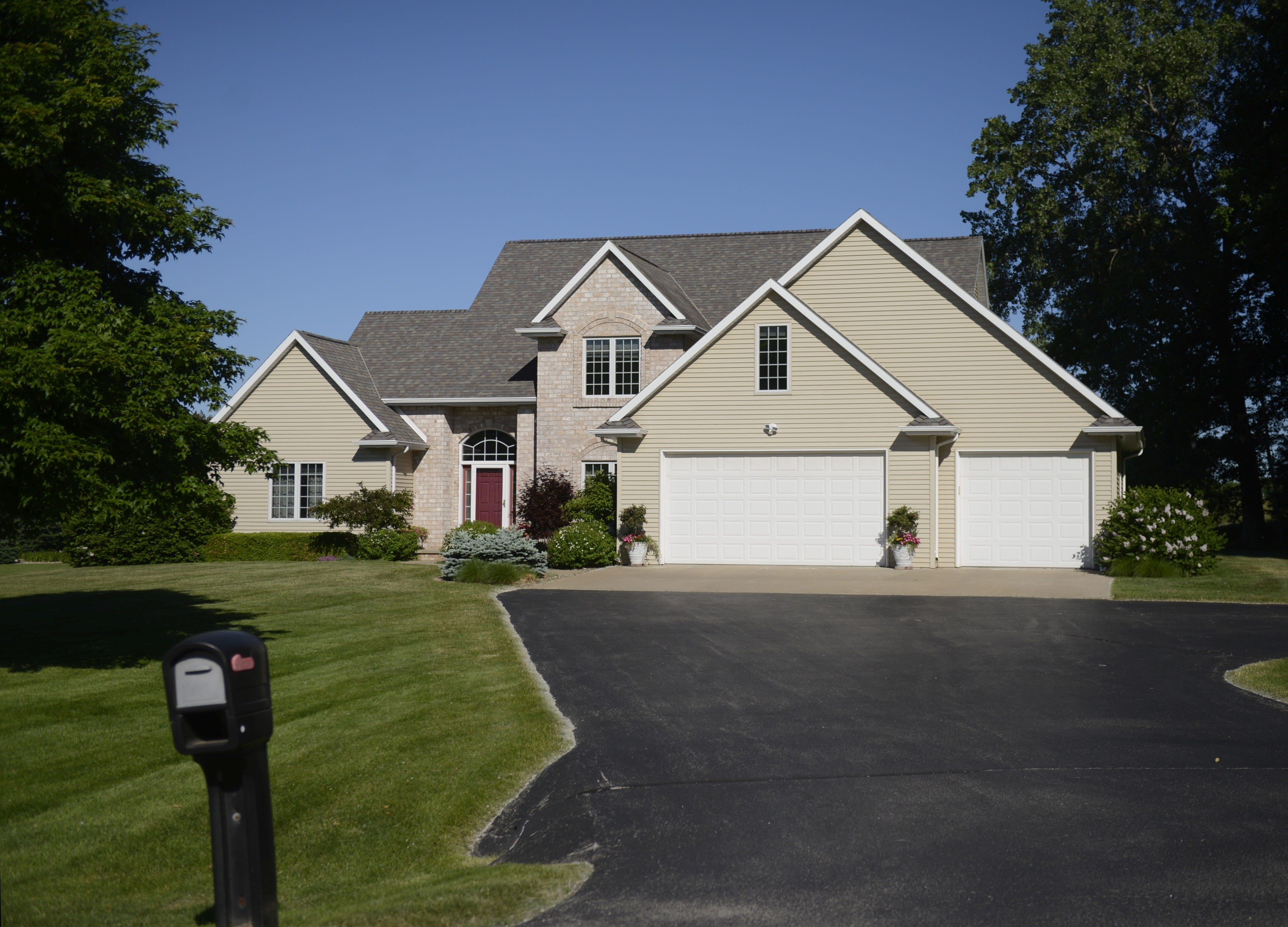 Jordy Nelsonu0027s House In Suamico Is For Sale. It Can Be Yours For $379,000.