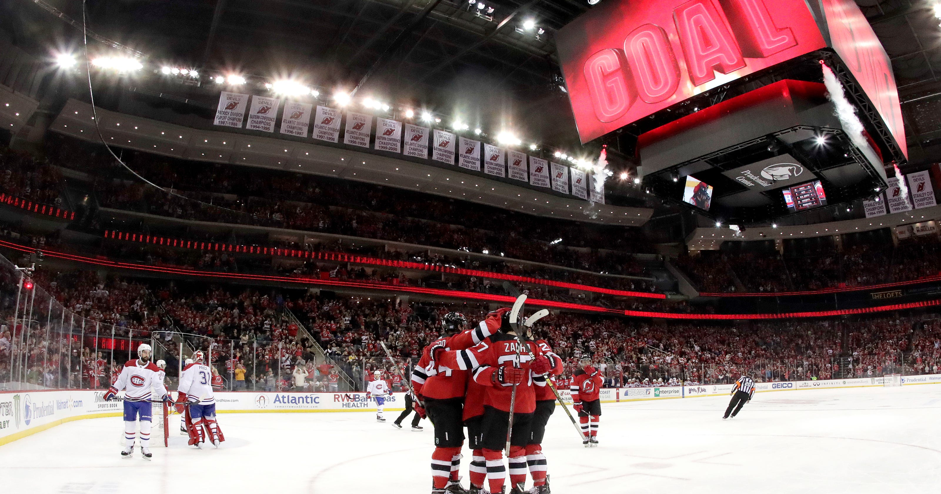 b1515c690 Zacha scores twice, Devils beat Canadiens 5-2