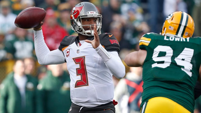 Buccaneers QB Jameis Winston throws against the Packers on Sunday.