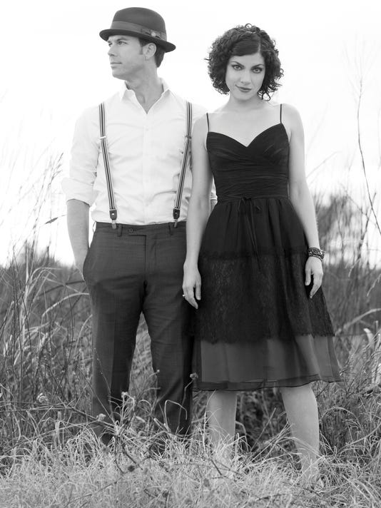 636370955331505883-Carrie-Rodriguez-and-Luke-Jacobs-BW-II.jpg