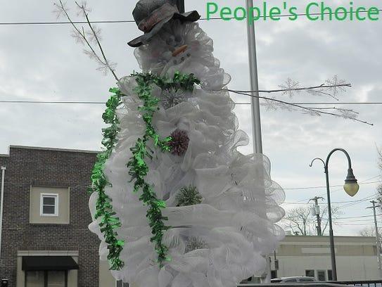 Sherry Rovani's wreath won the People's Choice Award.