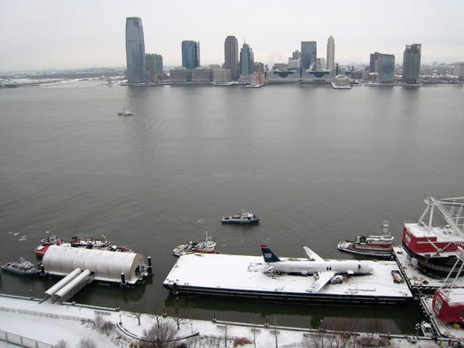 the ditching of flight 1549 Us airways a320 in the hudson river  registration n106us performing flight us-1549 from new york la  a marvelous article about the ditching including an.