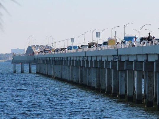 Easy fishing at the pensacola bay bridge for Pensacola bay fishing