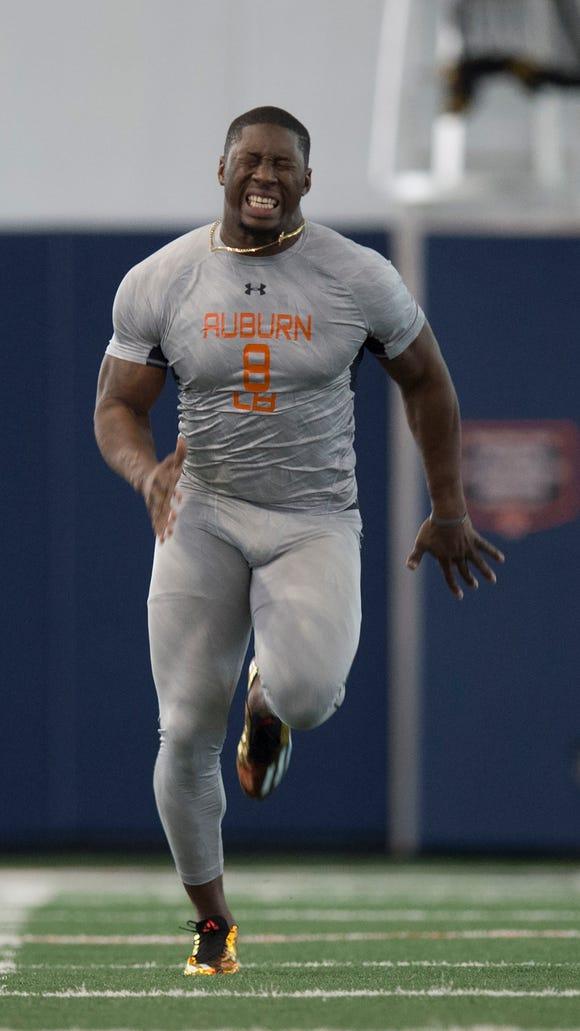 Auburn linebacker Cassanova McKinzy runs the 40-yard-dash