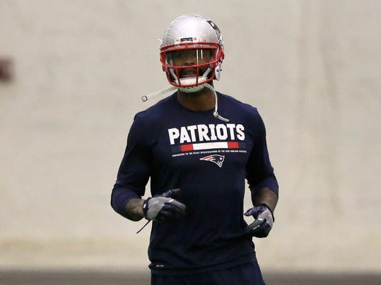 New England Patriots wide receiver Kenny Britt warms up during an NFL football practice, Wednesday, Dec. 13, 2017, in Foxborough, Mass. (AP Photo/Steven Senne)