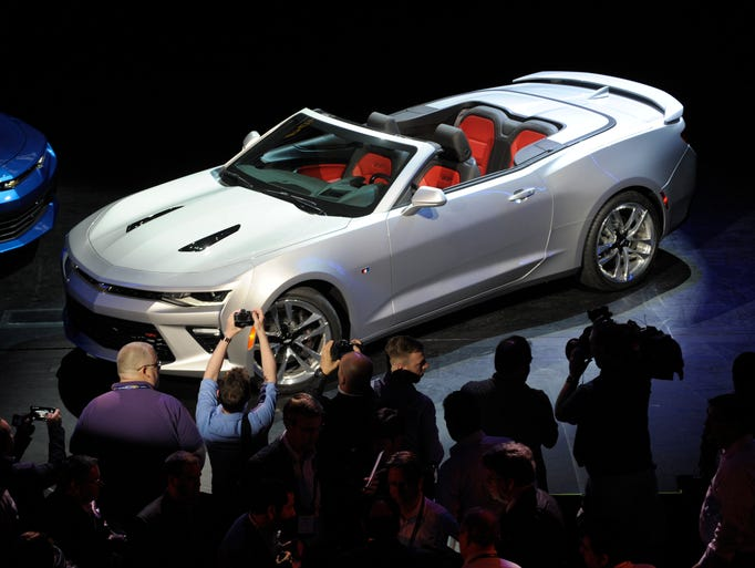 General Motors unveiled the new 2016 Chevy Camaro Convertible