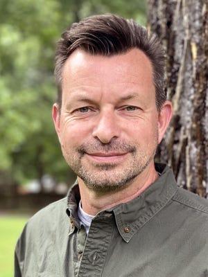 Tim Moffitt