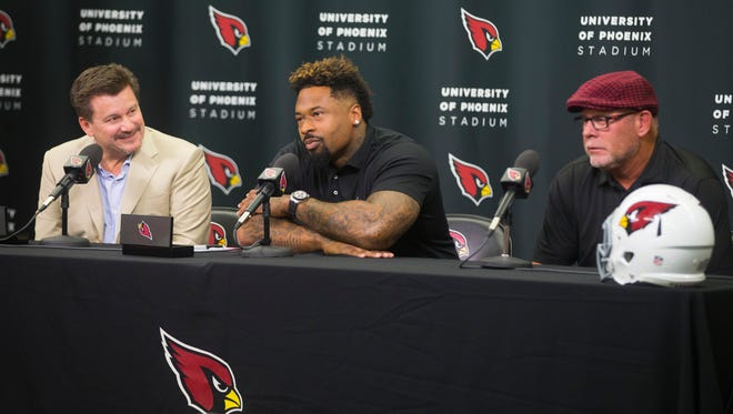 Darnell Dockett speaks during a new conference on his retirement at the Cardinals Tempe Training Facility on July 25, 2016 in Tempe, Ariz.