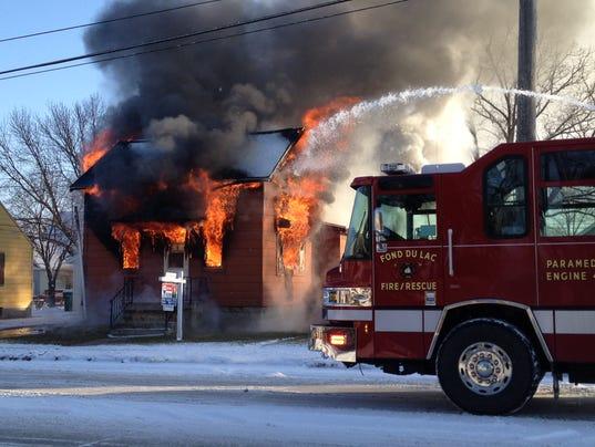 635705777886463892-AAPBrd-01-01-2014-Reporter-1-A006--2013-12-31-IMG-Hickory-Street-fire1-1-1-3Q612T1A-L339394403-IMG-Hickory-Street-fire1-1-1-3Q612T1A