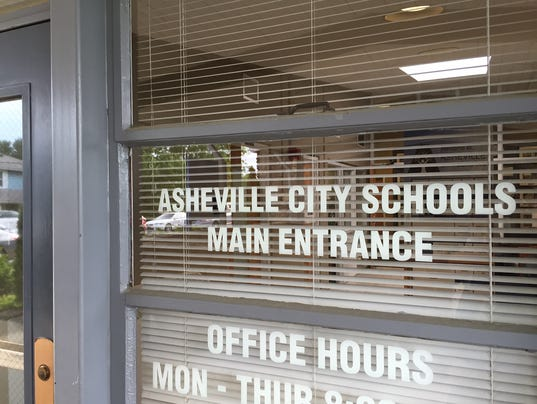 636219922332920896-Asheville-schools-central-office.JPG