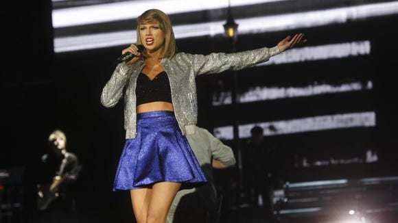 Taylor Swift's concert tonight in Washington, D.C., is attracting fundraisers from both major political parties.