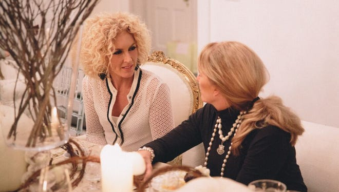 Little Big Town's Kimberly Schlapman speaks with Laura Daily of Cracker Barrel.