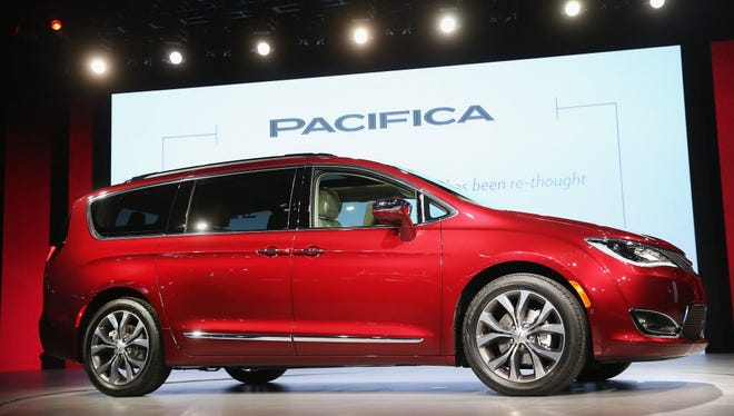 Chrysler engineers will be modifying 100 2017 Pacifica Hybrid minivans for Google, which will install its self-driving tech and put the car on roads for further autonomous vehicle testing.