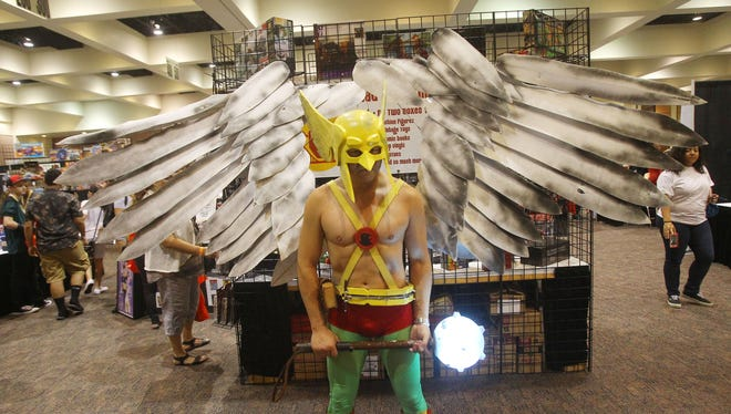 Comic Con Palm Springs continued on Saturday as the three day event entered it's second day. Thousands were in attended and long lines could be see through the Palm Spring Convention Center.