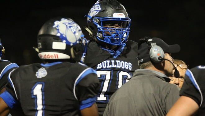 Passaic Tech OL Carter Warren, committed to Pittsburgh, is one of several reasons why the Bulldogs find themselves back in the North 1, Group 5 final for the third straight year.