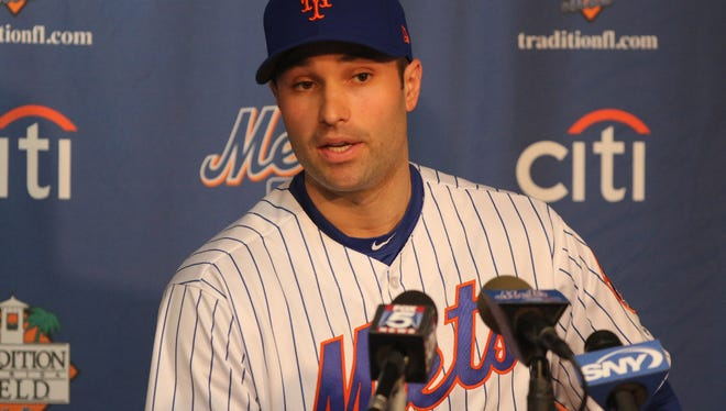 Neil Walker is open to a long-term deal with the Mets.