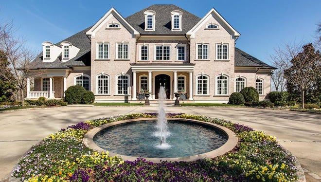 Kelly Clarkson is selling her Hendersonville home for $8.75 million.