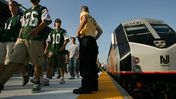 A 2009 Jets-Rams NFL preseason game was the first contest in which thousands of fans used a new rail link from Secaucus Junction to Giants Stadium.