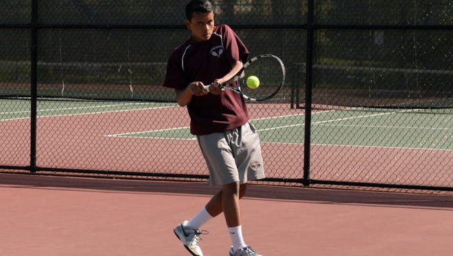 Ryan Mahtab helped Ridgewood sweep Indian Hills with a straight-set victory at third singles.