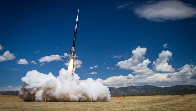 Future Heavy, the world's largest high-powered sport rocket.