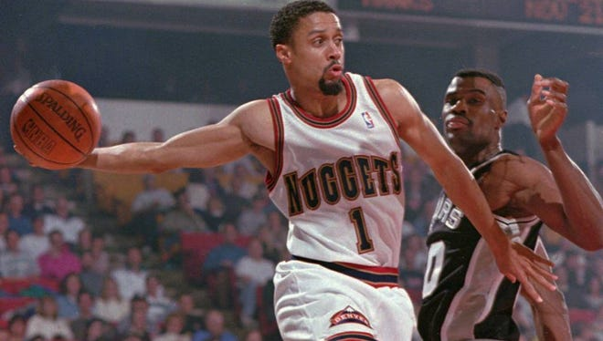 Mahmoud Abdul-Rauf protested the flag in 1996 while playing for Denver.