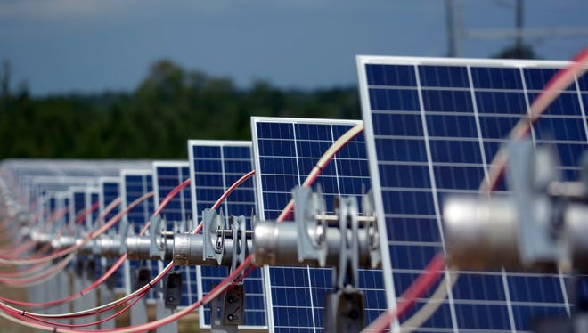 Dairyland Power Cooperative has agreed to buy the output of solar power project proposed in Jefferson County.