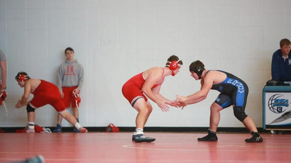 """Scenes from the """"Enka Duals'' wrestling tournament"""