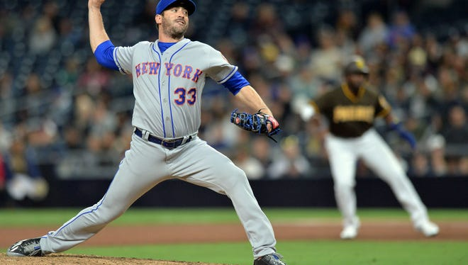 Apr 27, 2018; San Diego, CA, USA; New York Mets starting pitcher Matt Harvey (33) pitches during the ninth inning against the San Diego Padres at Petco Park.
