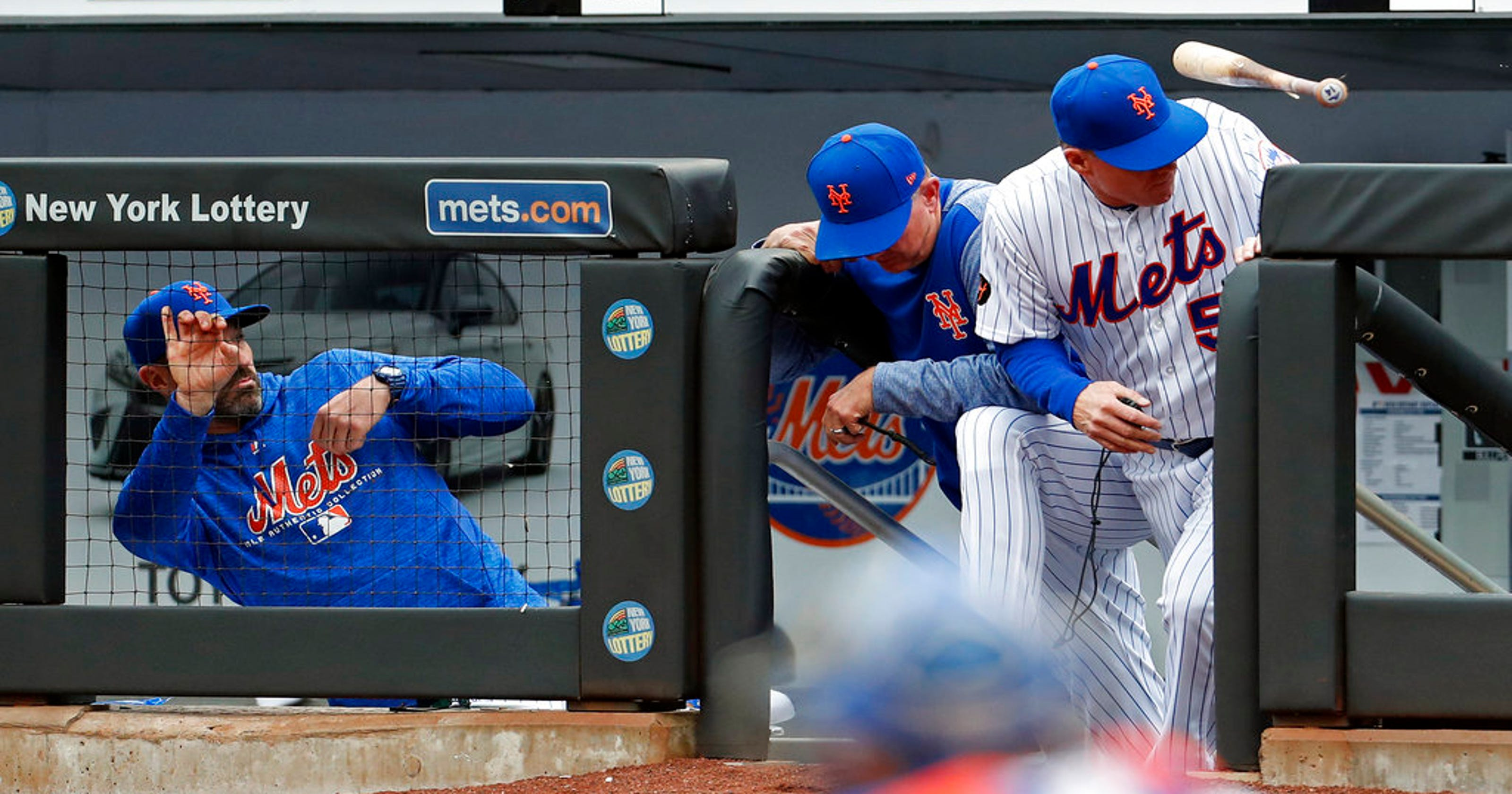 NY Mets bat out of order in the first inning against Reds on