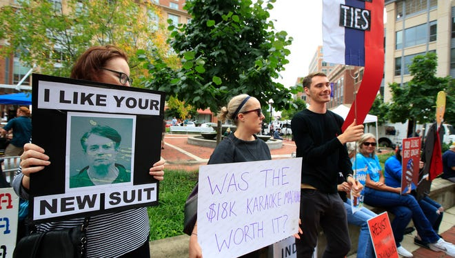 Protesters outside the Alexandria, Va., courthouse in which former Trump campaign manager Paul Manafort went on trial on July 31.
