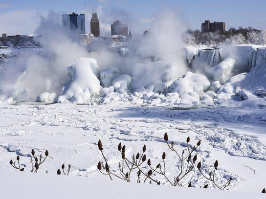 BESTPIX Extreme Cold Freezes Parts Of Niagara Falls