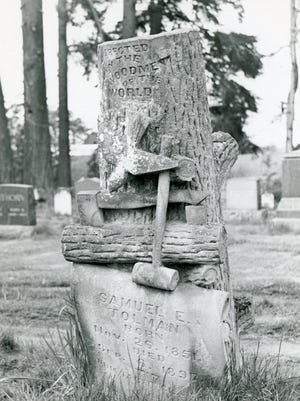 Samuel E. Tolman's headstone is located in Belle Passi Cemetery, Woodburn, Oregon.