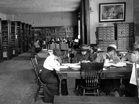 A 1904 photograph of the first Montana State University library.