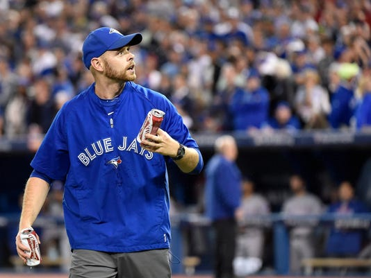 Bizarre blunder in crazy 7th of Game 5 of ALDS at Toronto