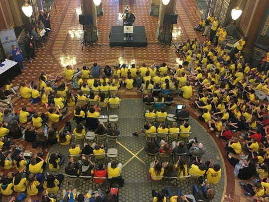 An estimated 900 students, parents, and others attended a school choice rally at the Iowa Capitol in April 2017.
