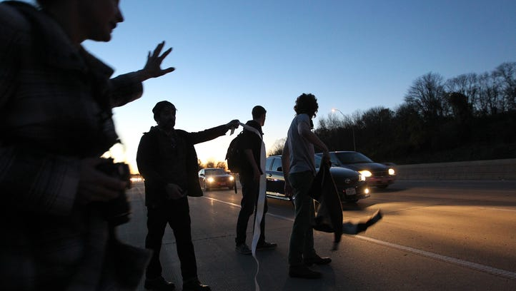 Iowa bill: 5 years in prison for highway protesters