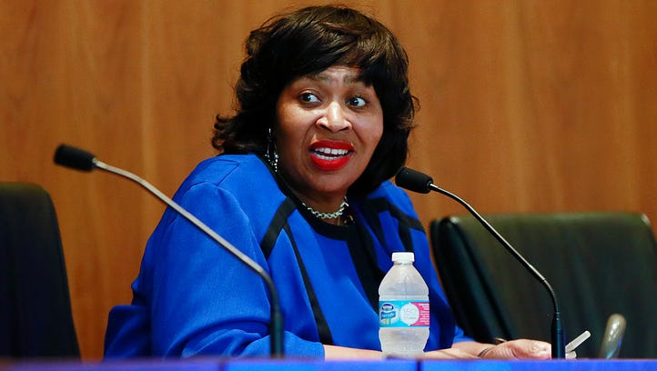 Questions on FBI dropped for Detroit council president's deposition