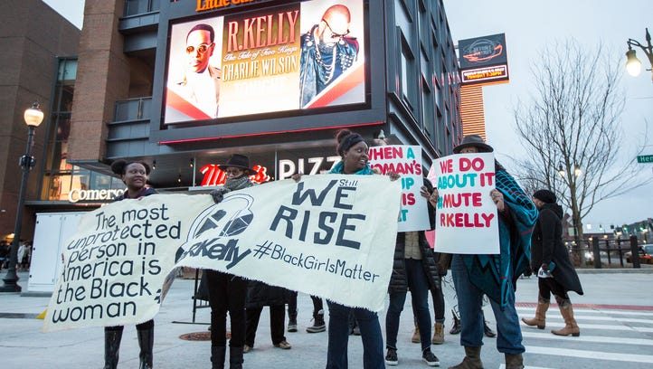 Activists protest R. Kelly at Detroit's Little Caesars Arena: 'Black girls do matter'
