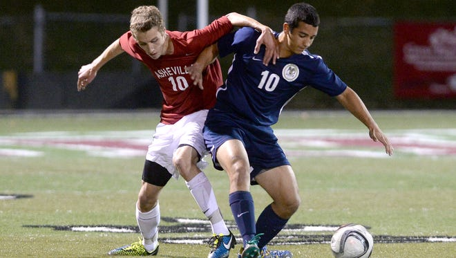Andrew Kiley (10) scored the winning goal for Asheville High on Wednesday night.