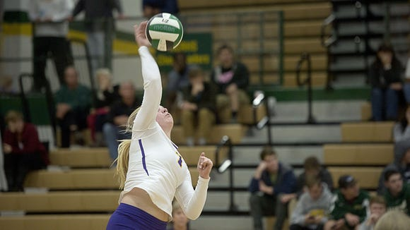 North Henderson junior Caroline Marsh has committed to play college volleyball for UNC Wilmington.