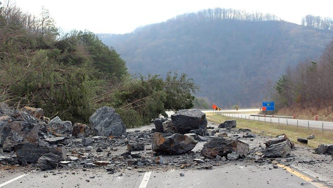Interstate-75 rock slide in Campbell County, photo posted 2.29.16 on Facebook page of Tennessee Department of Transportation.