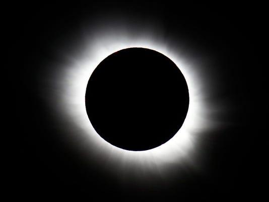 636355683137472205-AP-EUROPE-SOLAR-ECLIPSE-PHOTO-GALLERY-40086530.JPG