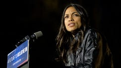 Rosario Dawson speaks during a rally for Democratic